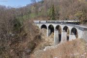 Chemin de fer-musée Blonay-Chamby BC - DZe 6/6 2002 mit As 101 und 102 (MOB), Steinviadukt über die Baye de Clarens