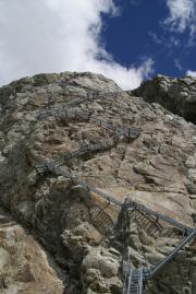 150 hohe Metalltreppe zur Konkordiahütte SAC über dem Gr. Aletschgletscher - es sind 478 Stufen!!