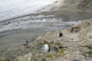 Konkordiahütten SAC (2850müM), 150 m über dem Gr. Aletschgletscher. Das obere Ende der Metalltreppe - geschafft!