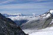 Oberaarjoch (3212müM); Monte Rosa, Mischabel mit Dom, Matterhorn, Weisshorn (vlnr), Studergletscher