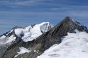 Oberaarjochhütte SAC; Wannenhorn (l), Finsteraarrothorn (r)