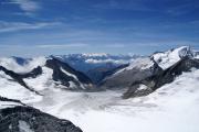 Oberaarjochhütte SAC; Wasenhorn, Monte Rosa, Mischabel, Matterhorn, Weisshorn, Wannenhorn (vlnr), Fiescher-, Galmi- und Studergletscher