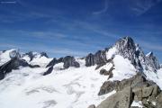 Aufstieg aufs Oberaarhorn; Wannenhorn, Fiescher Gabelhorn, Finsteraarhorn, Agassizhorn (vlnr)
