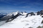 Aufstieg aufs Oberaarhorn; Matterhorn, Weisshorn, Wannenhorn, Fiescher Gabelhorn (vlnr)