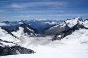 Oberaarhorn (3629müM); Wasenhorn, Monte Rosa, Mischabel, Matterhorn, Weisshorn, Wannenhorn (vlnr), Fiescher-, Galmigletscher