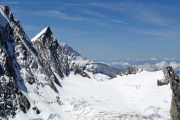 Oberaarhorn (3629müM); Agassizhorn, Eiger, Strahlegg (vlnr), Finsteraargletscher