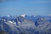 Oberaarjochhütte SAC (3256müM); Piz Medel, Rheinwaldhorn, Piz Rotondo (vorne)