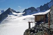 Oberaarjochhütte SAC (3256müM); Plumpsklo mit Fernsicht