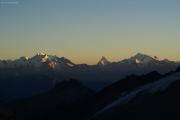 Oberaarjochhütte SAC (3256müM); Sonnenuntergang: Mischabel mit Dom, Matterhorn, Weisshorn