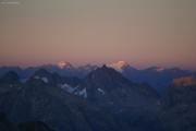Oberaarjochhütte SAC (3256müM); Sonnenuntergang: Piz Medel, Rheinwaldhorn