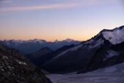 Oberaarjochhütte SAC (3256müM); Sonnenuntergang: Monte Rosa, Mischabel, Matterhorn, Weisshorn