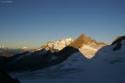 Oberaarjochhütte SAC (3256müM) morgens: Matterhorn, Weisshorn, Wannenhorn, Finsteraarrothorn