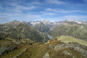 Ob Grimselpass; Grimselsee mit Finsteraarhorn (m)