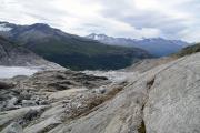 Über dem Rhonegletscher; Gletscherzunge mit See