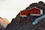 Rif. Marco e Rosa CAI (It.,3597 m):