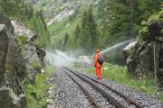 Brandschutz bei der Rhonequelle. Unvorsichtige Fotografen werden nass..