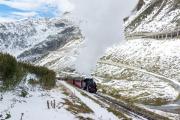 Ende Saison 2020 im Schnee! Letzter Regelzug nach Realp mit HG 4/4 704.