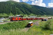 HGm 4/4 61 mit Dieselzug nach Gletsch und Realp verlässt Oberwald