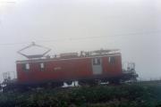 HGe 4/4 I im Nebel oberhalb Andermatt. 1988
