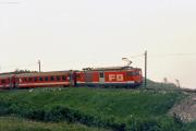 Deh 4/4 II mit Pendelzug im Nebel unterhalb Nätschen. 1988