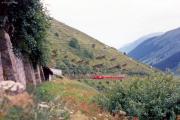 HGe 4/4 II mit Pano unterhalb der Calmut-Gallerien. 1988