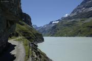 Mauvoisin --> Cab. Chanrion |  Weg entlang des Lac de Mauvoisin zum Col de Tsofeiret. Grand Combin