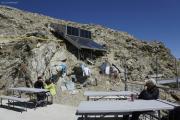 Cab. des Vignettes |  Sonnenkollektoren für warmes Wasser, sogar für eine Dusche (theoretisch)