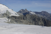 Cab. des Vignettes --> Cab. de Bertol |  Glacier du M. Collon. Aufstieg zum Col de l'Evêque. Aig. Rouges d'Arolla