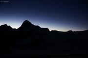 Cabane de Bertol CAS (3311müM) |  Glacier du Mont Miné. Umriss des Dent Blanche