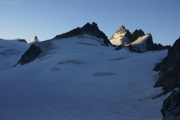 Cab. de Bertol --> Schönbielhütte |  Glacier du Mont Miné, Dent d'Hérens, Dents de Bertol, Les Bouquetins (vlnr)