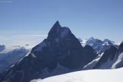 Cab. de Bertol --> Schönbielhütte |  Tête Blanche (3707müM); Matterhon mit Signalkuppe, Parrotspitze, Lyskamm, Breithorn, Castor, Chli Matterhorn (vlnr)