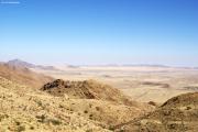 Blick vom Spreetshoogte-Pass (1275 m) nach Westen auf Ausläufer der Namib-Wüste