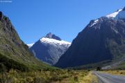 Strasse zwischen Te Anau und Milford Sound