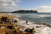 Hot Water Beach bei zu hoher Ebbe - nix mit heissem Wasser. Coromandel Halbinsel