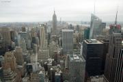 Midtown und Lower Manhattan mit Empire State Building und Bank of America Tower (rechts). Top of the Rock/Rockefeller Center