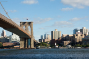 Brooklyn Bridge mit Brooklyn Heights