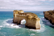 Great Ocean Road; Port Campbell NP; Island Archway