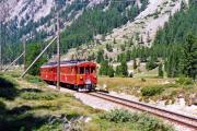 ABe 4/4 31 und 32 zwischen Surovas und Morteratsch. 1990