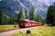 ABe 4/4 43 und ein weiterer TW II zwischen Morteratsch und Surovas. 1990