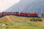 ABe 4/4 44 und ein weiterer TW II in der  Schleife bei Alp Grüm. 1990