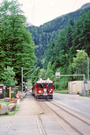 ABe 4/4 56 bei der Haltestelle Le Prese. 2001