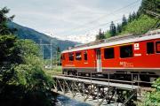 ABe 4/4 54 überquert die Poschiavino-Brücke unterhalb Miralago. 2001