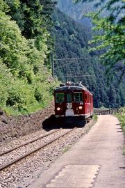 ABe 4/4 44 hat die gleich die Steilrampe zwischen Brusio und Miralago überwunden. 2001