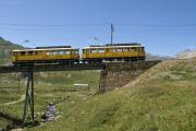 ABe 4/4 34 und 30 auf der oberen Berninabachbrücke oberhalb Bernina Lagalb