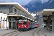 Chur. Ge 4/4 626 wartet mit einem Zug nach Arosa.