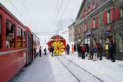 Xrotd 9213 lockte viele Trainspotter nach Ospizio Bernina.