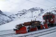 ABe 4/4 45 mit Spurpflug X 9143 bei Alp Grüm.