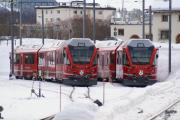 Neue Allegra-Triebzüge ABe 8/12 3501 und 3502 abgestellt in Samedan.