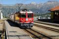 Ge 4/4 II 633 erreicht mit einem Bernina Express Pontresina