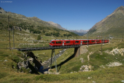 """Allegra"" ABe 8/12 3504 auf der Unteren Berninabachbrücke oberhalb Bernina Lagalb"